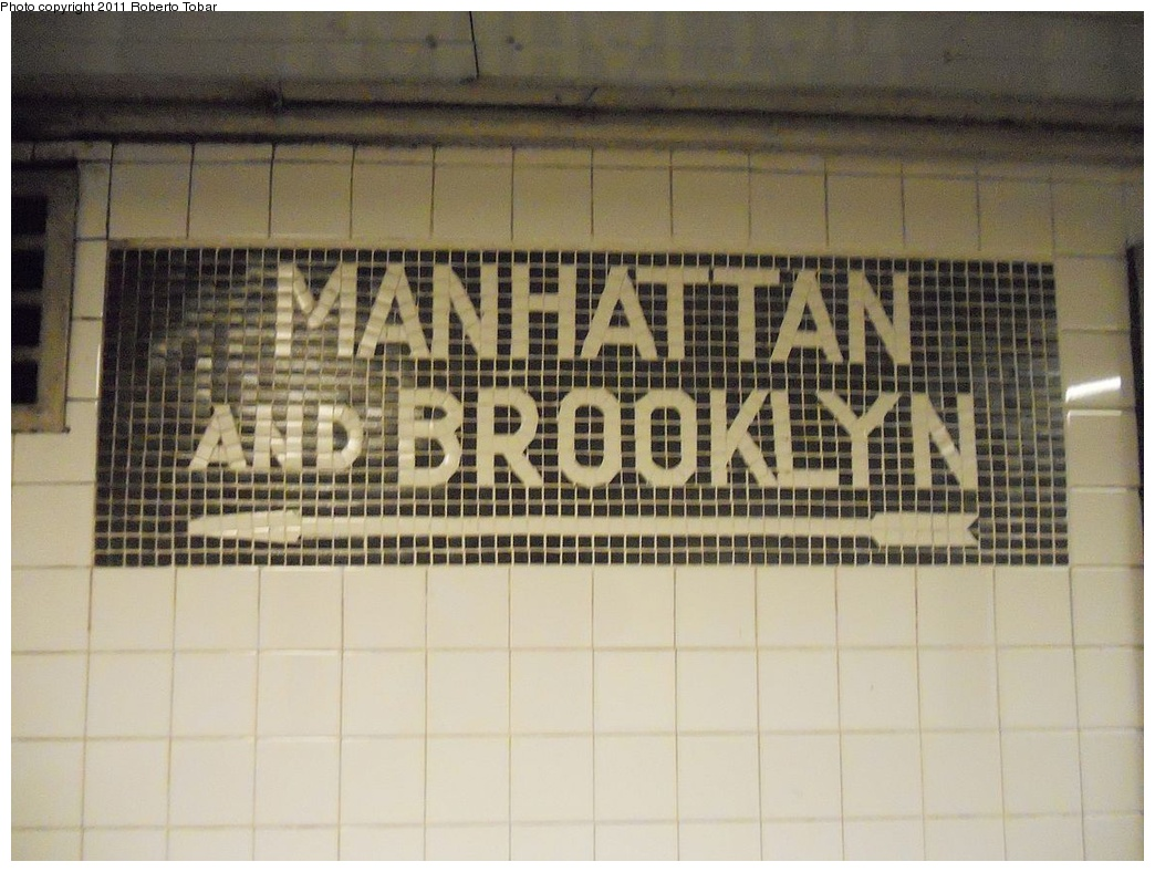 (280k, 1044x788)<br><b>Country:</b> United States<br><b>City:</b> New York<br><b>System:</b> New York City Transit<br><b>Line:</b> IND Queens Boulevard Line<br><b>Location:</b> Steinway Street <br><b>Photo by:</b> Roberto C. Tobar<br><b>Date:</b> 11/23/2011<br><b>Viewed (this week/total):</b> 1 / 95