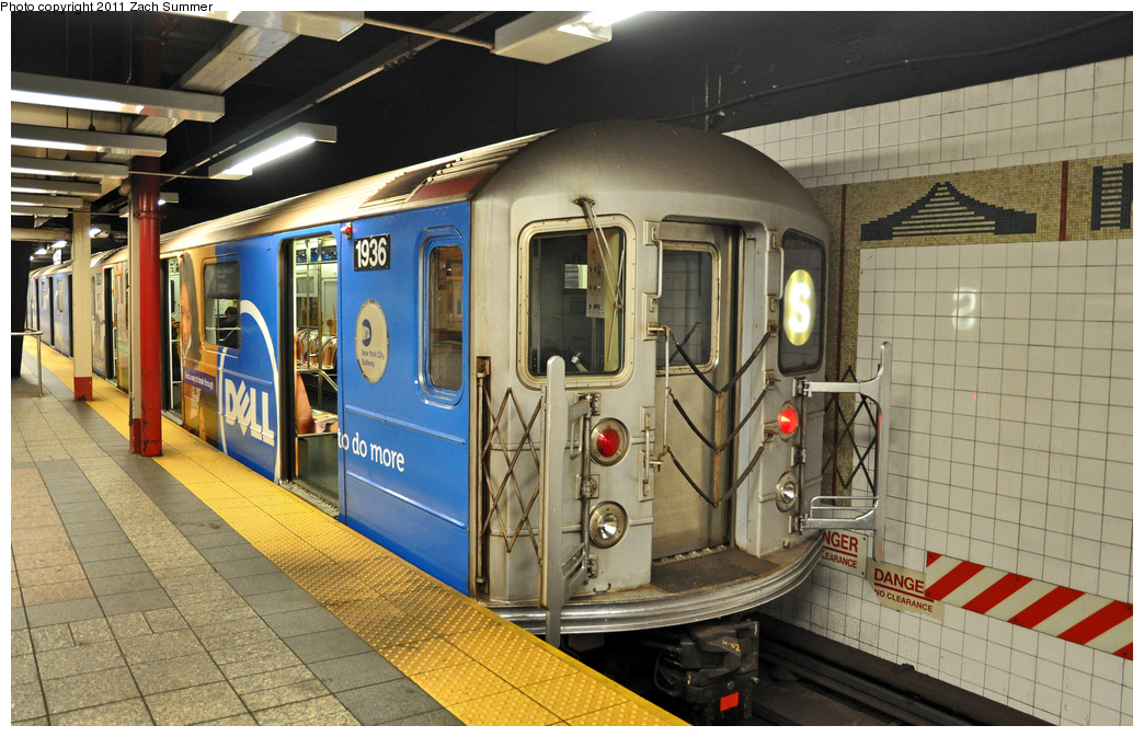 (397k, 1044x673)<br><b>Country:</b> United States<br><b>City:</b> New York<br><b>System:</b> New York City Transit<br><b>Line:</b> IRT Times Square-Grand Central Shuttle<br><b>Location:</b> Grand Central <br><b>Route:</b> S<br><b>Car:</b> R-62A (Bombardier, 1984-1987)  1936 <br><b>Photo by:</b> Zach Summer<br><b>Date:</b> 10/23/2011<br><b>Viewed (this week/total):</b> 1 / 308