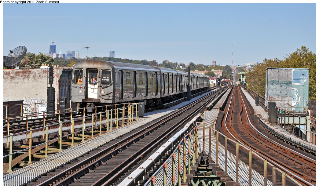 (419k, 1044x619)<br><b>Country:</b> United States<br><b>City:</b> New York<br><b>System:</b> New York City Transit<br><b>Line:</b> BMT Culver Line<br><b>Location:</b> 18th Avenue <br><b>Route:</b> School Car<br><b>Car:</b> R-68 (Westinghouse-Amrail, 1986-1988)  2566 <br><b>Photo by:</b> Zach Summer<br><b>Date:</b> 10/28/2011<br><b>Viewed (this week/total):</b> 1 / 1103