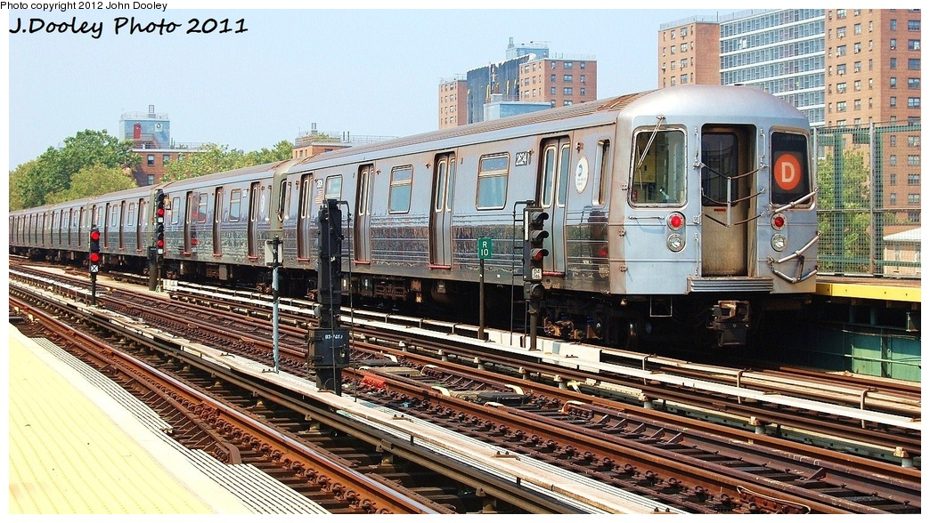 (387k, 1044x588)<br><b>Country:</b> United States<br><b>City:</b> New York<br><b>System:</b> New York City Transit<br><b>Line:</b> BMT West End Line<br><b>Location:</b> Bay 50th Street <br><b>Route:</b> D<br><b>Car:</b> R-68 (Westinghouse-Amrail, 1986-1988)  2624 <br><b>Photo by:</b> John Dooley<br><b>Date:</b> 7/20/2011<br><b>Viewed (this week/total):</b> 2 / 410