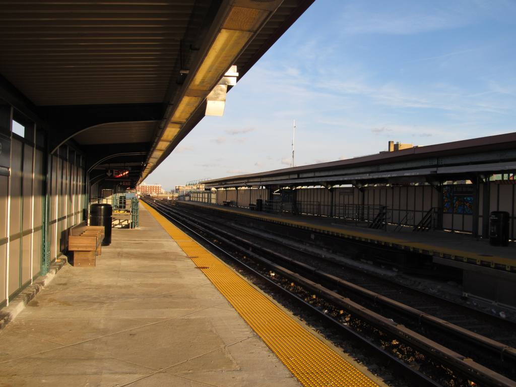 (98k, 1024x768)<br><b>Country:</b> United States<br><b>City:</b> New York<br><b>System:</b> New York City Transit<br><b>Line:</b> IND Rockaway<br><b>Location:</b> Beach 105th Street/Seaside <br><b>Photo by:</b> Robbie Rosenfeld<br><b>Date:</b> 1/16/2012<br><b>Notes:</b> Renovated platforms.<br><b>Viewed (this week/total):</b> 2 / 404