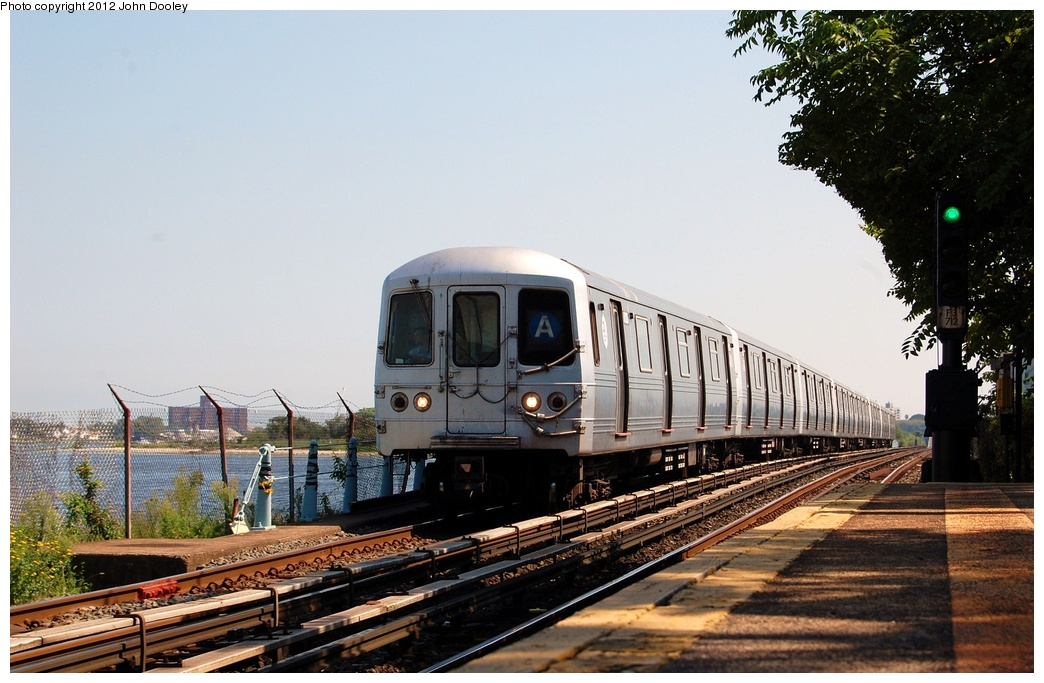 (313k, 1044x683)<br><b>Country:</b> United States<br><b>City:</b> New York<br><b>System:</b> New York City Transit<br><b>Line:</b> IND Rockaway<br><b>Location:</b> Broad Channel <br><b>Route:</b> A<br><b>Car:</b> R-46 (Pullman-Standard, 1974-75)  <br><b>Photo by:</b> John Dooley<br><b>Date:</b> 8/20/2011<br><b>Viewed (this week/total):</b> 2 / 755