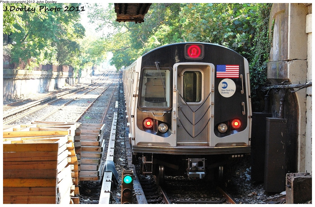 (464k, 1044x687)<br><b>Country:</b> United States<br><b>City:</b> New York<br><b>System:</b> New York City Transit<br><b>Line:</b> BMT Brighton Line<br><b>Location:</b> Newkirk Plaza (fmrly Newkirk Ave.) <br><b>Route:</b> Q<br><b>Car:</b> R-160B (Kawasaki, 2005-2008)  8722 <br><b>Photo by:</b> John Dooley<br><b>Date:</b> 9/12/2011<br><b>Viewed (this week/total):</b> 5 / 638