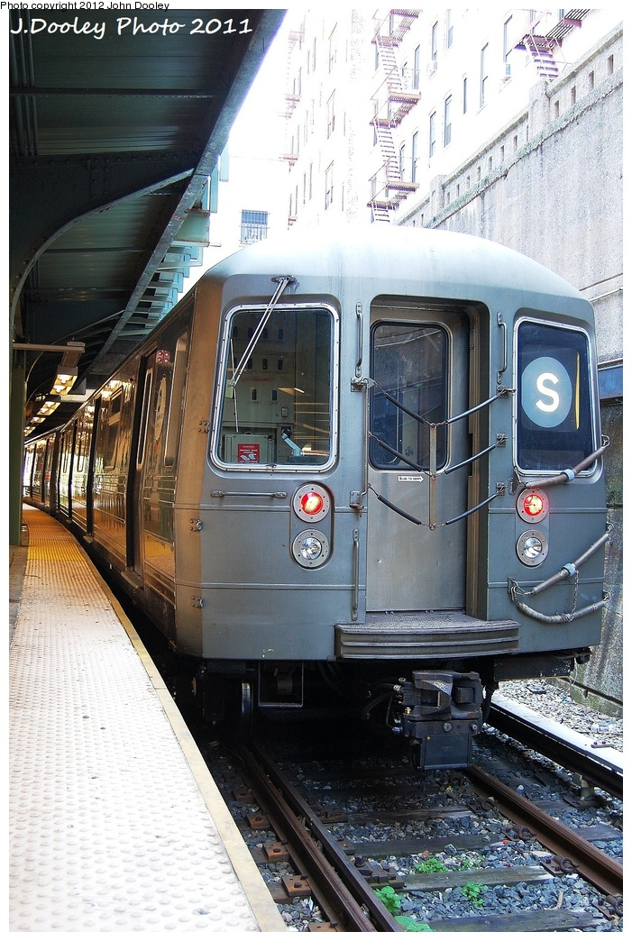 (389k, 701x1044)<br><b>Country:</b> United States<br><b>City:</b> New York<br><b>System:</b> New York City Transit<br><b>Line:</b> BMT Franklin<br><b>Location:</b> Prospect Park <br><b>Route:</b> Franklin Shuttle<br><b>Car:</b> R-68 (Westinghouse-Amrail, 1986-1988)  2920 <br><b>Photo by:</b> John Dooley<br><b>Date:</b> 9/12/2011<br><b>Viewed (this week/total):</b> 4 / 701