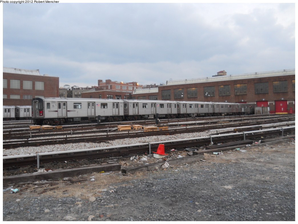 (354k, 1044x788)<br><b>Country:</b> United States<br><b>City:</b> New York<br><b>System:</b> New York City Transit<br><b>Location:</b> 207th Street Yard<br><b>Car:</b> R-142 (Primary Order, Bombardier, 1999-2002)  6525 <br><b>Photo by:</b> Robert Mencher<br><b>Date:</b> 2/11/2012<br><b>Viewed (this week/total):</b> 3 / 371