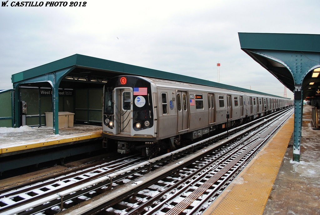 (334k, 1024x687)<br><b>Country:</b> United States<br><b>City:</b> New York<br><b>System:</b> New York City Transit<br><b>Line:</b> BMT Brighton Line<br><b>Location:</b> West 8th Street <br><b>Route:</b> Q<br><b>Car:</b> R-160B (Kawasaki, 2005-2008)  8953 <br><b>Photo by:</b> Wilfredo Castillo<br><b>Date:</b> 1/21/2012<br><b>Viewed (this week/total):</b> 1 / 261