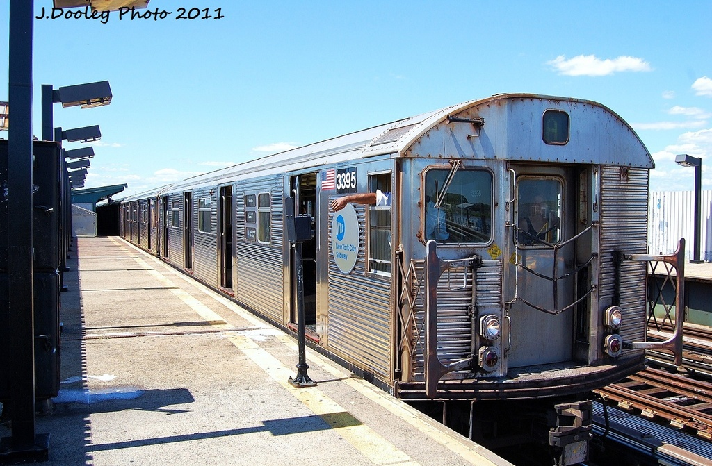 (369k, 1024x671)<br><b>Country:</b> United States<br><b>City:</b> New York<br><b>System:</b> New York City Transit<br><b>Line:</b> IND Fulton Street Line<br><b>Location:</b> 88th Street/Boyd Avenue <br><b>Route:</b> A<br><b>Car:</b> R-32 (Budd, 1964)  3395 <br><b>Photo by:</b> John Dooley<br><b>Date:</b> 8/11/2011<br><b>Viewed (this week/total):</b> 0 / 251