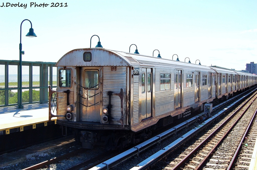 (354k, 1024x678)<br><b>Country:</b> United States<br><b>City:</b> New York<br><b>System:</b> New York City Transit<br><b>Line:</b> IND Rockaway<br><b>Location:</b> Beach 44th Street/Frank Avenue <br><b>Route:</b> A<br><b>Car:</b> R-32 (Budd, 1964)  3671 <br><b>Photo by:</b> John Dooley<br><b>Date:</b> 8/11/2011<br><b>Viewed (this week/total):</b> 0 / 490