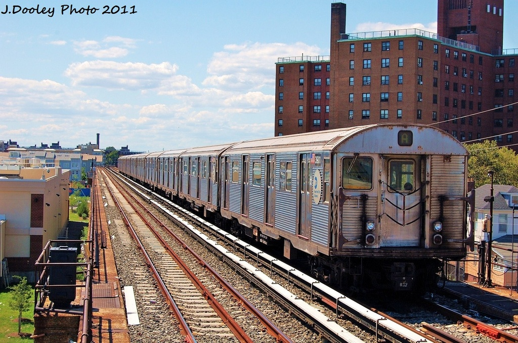 (412k, 1024x678)<br><b>Country:</b> United States<br><b>City:</b> New York<br><b>System:</b> New York City Transit<br><b>Line:</b> IND Rockaway<br><b>Location:</b> Beach 44th Street/Frank Avenue <br><b>Route:</b> A<br><b>Car:</b> R-32 (Budd, 1964)  3901 <br><b>Photo by:</b> John Dooley<br><b>Date:</b> 8/11/2011<br><b>Viewed (this week/total):</b> 0 / 514