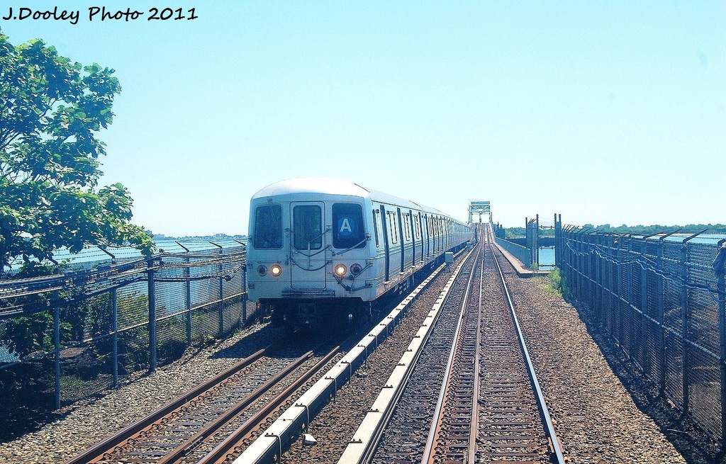 (412k, 1024x655)<br><b>Country:</b> United States<br><b>City:</b> New York<br><b>System:</b> New York City Transit<br><b>Line:</b> IND Rockaway<br><b>Location:</b> Broad Channel <br><b>Route:</b> A<br><b>Car:</b> R-46 (Pullman-Standard, 1974-75) 5800 <br><b>Photo by:</b> John Dooley<br><b>Date:</b> 8/11/2011<br><b>Viewed (this week/total):</b> 3 / 281