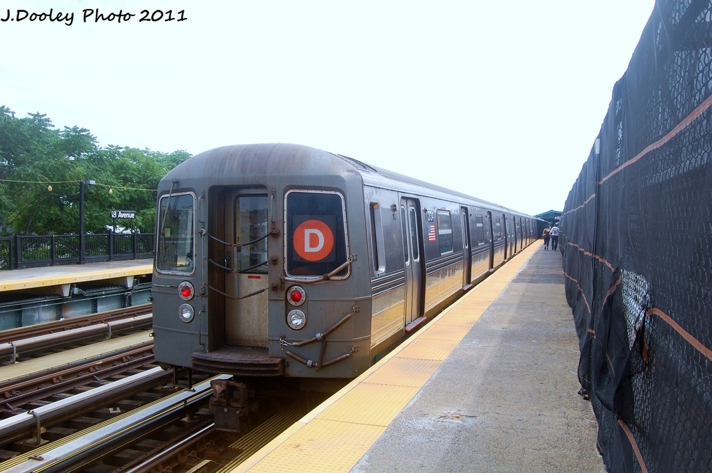 (285k, 1024x680)<br><b>Country:</b> United States<br><b>City:</b> New York<br><b>System:</b> New York City Transit<br><b>Line:</b> BMT West End Line<br><b>Location:</b> 18th Avenue <br><b>Route:</b> D<br><b>Car:</b> R-68 (Westinghouse-Amrail, 1986-1988)  2734 <br><b>Photo by:</b> John Dooley<br><b>Date:</b> 7/23/2011<br><b>Viewed (this week/total):</b> 3 / 373
