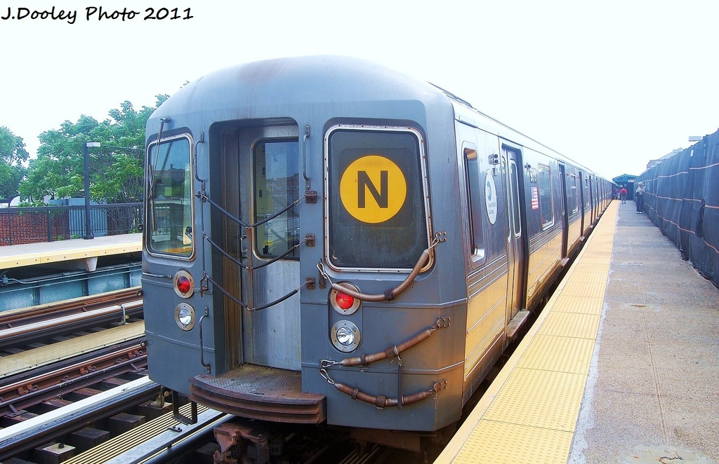 (325k, 1024x662)<br><b>Country:</b> United States<br><b>City:</b> New York<br><b>System:</b> New York City Transit<br><b>Line:</b> BMT West End Line<br><b>Location:</b> 18th Avenue <br><b>Route:</b> N reroute<br><b>Car:</b> R-68A (Kawasaki, 1988-1989)  5078 <br><b>Photo by:</b> John Dooley<br><b>Date:</b> 7/23/2011<br><b>Viewed (this week/total):</b> 6 / 244