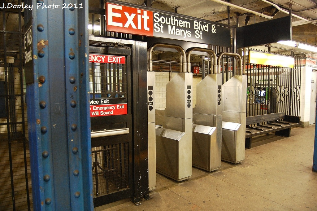 (377k, 1024x681)<br><b>Country:</b> United States<br><b>City:</b> New York<br><b>System:</b> New York City Transit<br><b>Line:</b> IRT Pelham Line<br><b>Location:</b> East 143rd Street <br><b>Photo by:</b> John Dooley<br><b>Date:</b> 9/22/2011<br><b>Viewed (this week/total):</b> 0 / 1060
