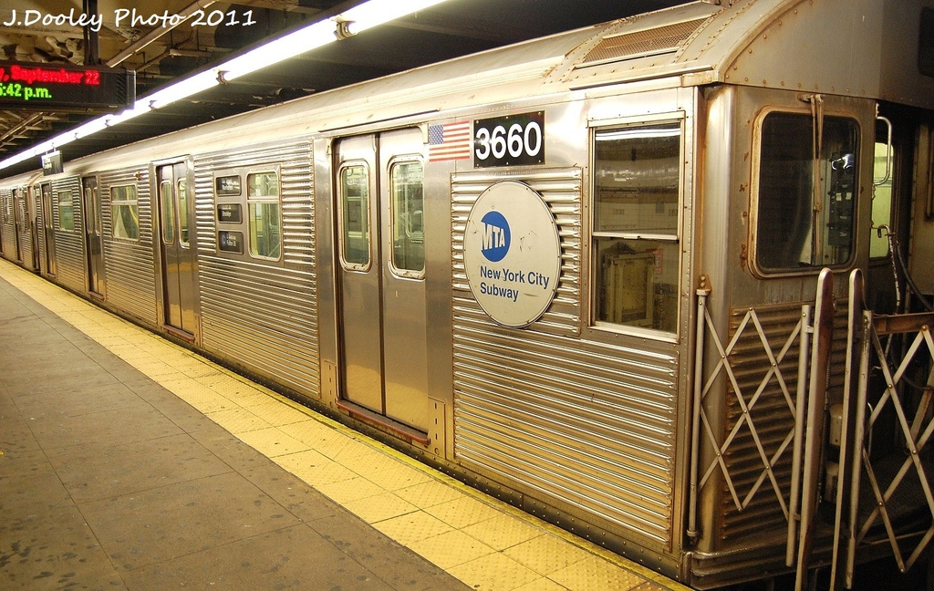 (389k, 1024x648)<br><b>Country:</b> United States<br><b>City:</b> New York<br><b>System:</b> New York City Transit<br><b>Line:</b> IND 8th Avenue Line<br><b>Location:</b> 168th Street <br><b>Route:</b> C<br><b>Car:</b> R-32 (Budd, 1964)  3660 <br><b>Photo by:</b> John Dooley<br><b>Date:</b> 9/22/2011<br><b>Viewed (this week/total):</b> 7 / 347