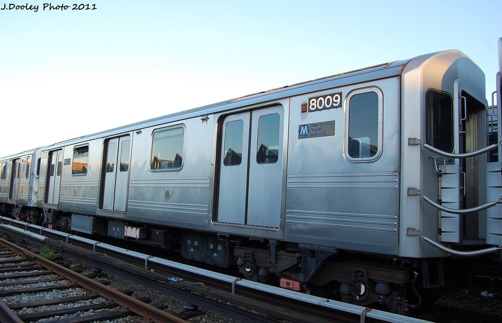 (263k, 1024x660)<br><b>Country:</b> United States<br><b>City:</b> New York<br><b>System:</b> New York City Transit<br><b>Location:</b> 239th Street Yard<br><b>Car:</b> R-110A (Kawasaki, 1992) 8009 <br><b>Photo by:</b> John Dooley<br><b>Date:</b> 12/8/2011<br><b>Viewed (this week/total):</b> 2 / 423