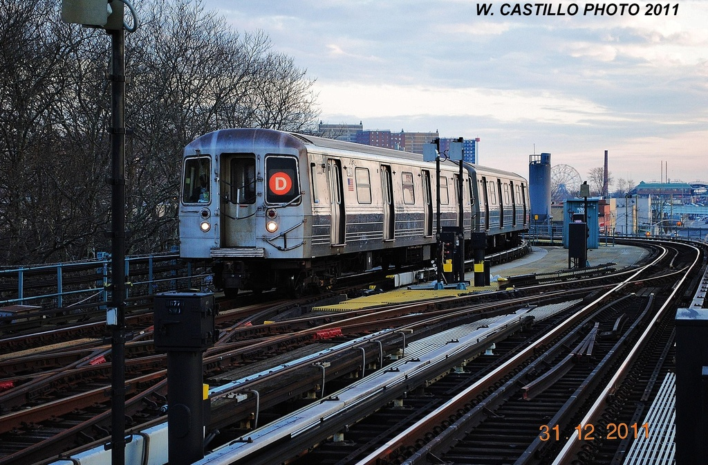 (407k, 1024x672)<br><b>Country:</b> United States<br><b>City:</b> New York<br><b>System:</b> New York City Transit<br><b>Line:</b> BMT West End Line<br><b>Location:</b> Bay 50th Street <br><b>Route:</b> D<br><b>Car:</b> R-68 (Westinghouse-Amrail, 1986-1988)   <br><b>Photo by:</b> Wilfredo Castillo<br><b>Date:</b> 12/31/2011<br><b>Viewed (this week/total):</b> 3 / 419