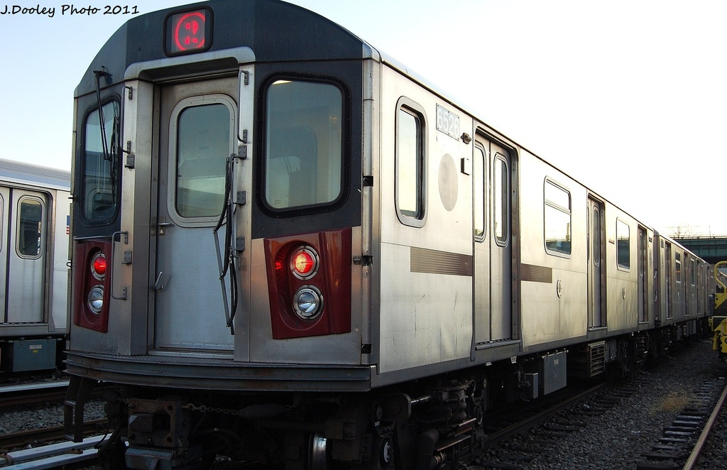 (270k, 1024x662)<br><b>Country:</b> United States<br><b>City:</b> New York<br><b>System:</b> New York City Transit<br><b>Location:</b> 239th Street Yard<br><b>Car:</b> R-142 (Primary Order, Bombardier, 1999-2002)  6526 <br><b>Photo by:</b> John Dooley<br><b>Date:</b> 12/8/2011<br><b>Viewed (this week/total):</b> 1 / 278