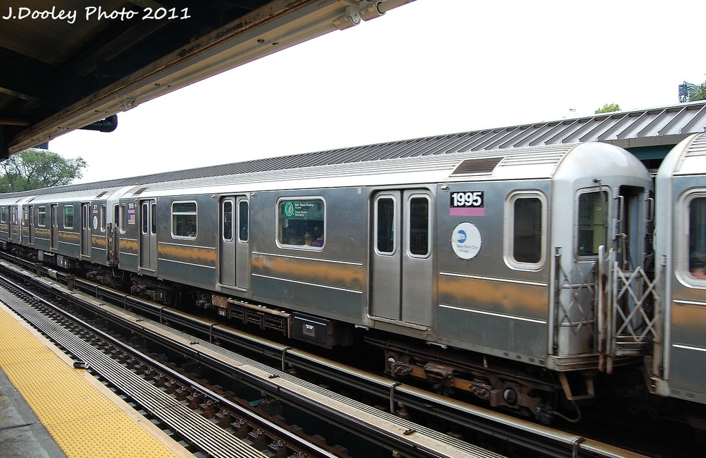 (319k, 1024x664)<br><b>Country:</b> United States<br><b>City:</b> New York<br><b>System:</b> New York City Transit<br><b>Line:</b> IRT Flushing Line<br><b>Location:</b> Willets Point/Mets (fmr. Shea Stadium) <br><b>Route:</b> 7<br><b>Car:</b> R-62A (Bombardier, 1984-1987)  1995 <br><b>Photo by:</b> John Dooley<br><b>Date:</b> 9/20/2011<br><b>Viewed (this week/total):</b> 1 / 607