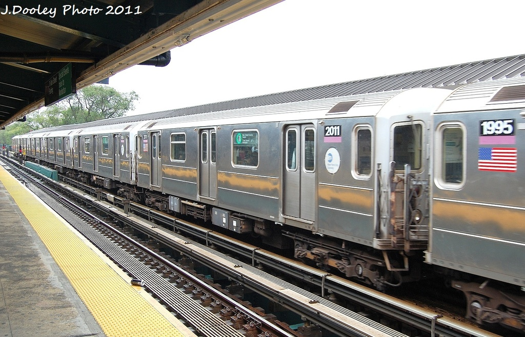 (362k, 1024x657)<br><b>Country:</b> United States<br><b>City:</b> New York<br><b>System:</b> New York City Transit<br><b>Line:</b> IRT Flushing Line<br><b>Location:</b> Willets Point/Mets (fmr. Shea Stadium) <br><b>Route:</b> 7<br><b>Car:</b> R-62A (Bombardier, 1984-1987)  2011 <br><b>Photo by:</b> John Dooley<br><b>Date:</b> 9/20/2011<br><b>Viewed (this week/total):</b> 2 / 511