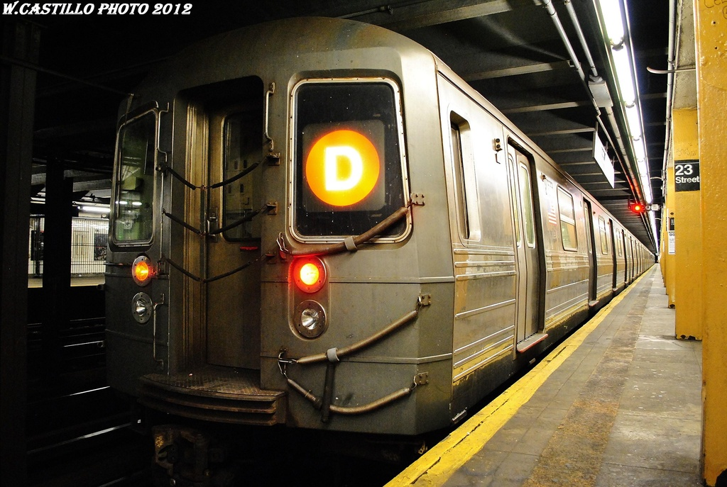 (319k, 1024x687)<br><b>Country:</b> United States<br><b>City:</b> New York<br><b>System:</b> New York City Transit<br><b>Line:</b> IND 8th Avenue Line<br><b>Location:</b> 23rd Street <br><b>Route:</b> D reroute<br><b>Car:</b> R-68 (Westinghouse-Amrail, 1986-1988)   <br><b>Photo by:</b> Wilfredo Castillo<br><b>Date:</b> 2/28/2012<br><b>Viewed (this week/total):</b> 3 / 253