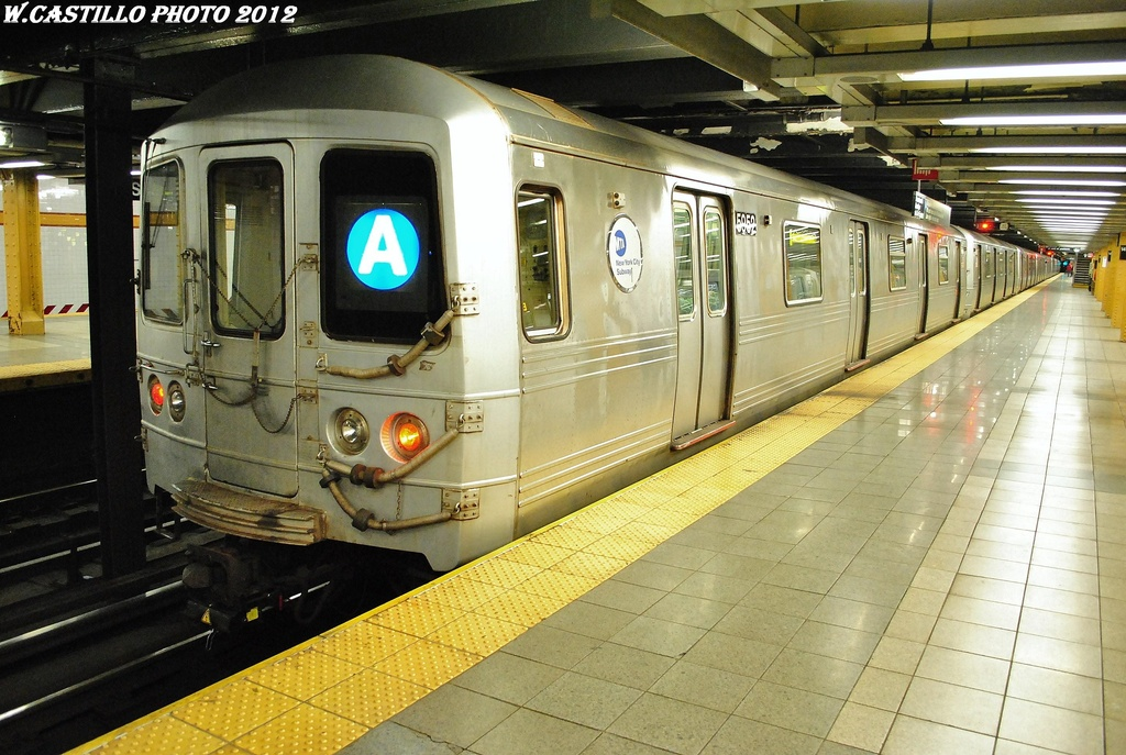 (341k, 1024x687)<br><b>Country:</b> United States<br><b>City:</b> New York<br><b>System:</b> New York City Transit<br><b>Line:</b> IND 8th Avenue Line<br><b>Location:</b> 14th Street <br><b>Route:</b> A<br><b>Car:</b> R-46 (Pullman-Standard, 1974-75) 5952 <br><b>Photo by:</b> Wilfredo Castillo<br><b>Date:</b> 2/28/2012<br><b>Viewed (this week/total):</b> 0 / 687