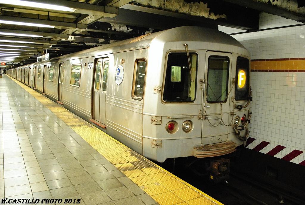 (340k, 1024x687)<br><b>Country:</b> United States<br><b>City:</b> New York<br><b>System:</b> New York City Transit<br><b>Line:</b> IND 8th Avenue Line<br><b>Location:</b> 14th Street <br><b>Route:</b> F reroute<br><b>Car:</b> R-46 (Pullman-Standard, 1974-75) 5746 <br><b>Photo by:</b> Wilfredo Castillo<br><b>Date:</b> 2/28/2012<br><b>Viewed (this week/total):</b> 1 / 719