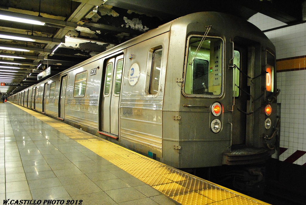 (348k, 1024x687)<br><b>Country:</b> United States<br><b>City:</b> New York<br><b>System:</b> New York City Transit<br><b>Line:</b> IND 8th Avenue Line<br><b>Location:</b> 14th Street <br><b>Route:</b> D reroute<br><b>Car:</b> R-68 (Westinghouse-Amrail, 1986-1988)  2530 <br><b>Photo by:</b> Wilfredo Castillo<br><b>Date:</b> 2/28/2012<br><b>Viewed (this week/total):</b> 0 / 661