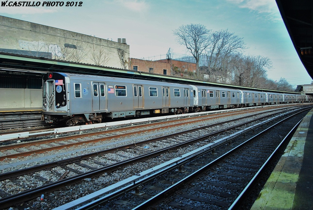 (417k, 1024x687)<br><b>Country:</b> United States<br><b>City:</b> New York<br><b>System:</b> New York City Transit<br><b>Line:</b> BMT Sea Beach Line<br><b>Location:</b> 8th Avenue <br><b>Route:</b> N<br><b>Car:</b> R-160B (Option 1) (Kawasaki, 2008-2009)  8992 <br><b>Photo by:</b> Wilfredo Castillo<br><b>Date:</b> 3/12/2012<br><b>Viewed (this week/total):</b> 4 / 371