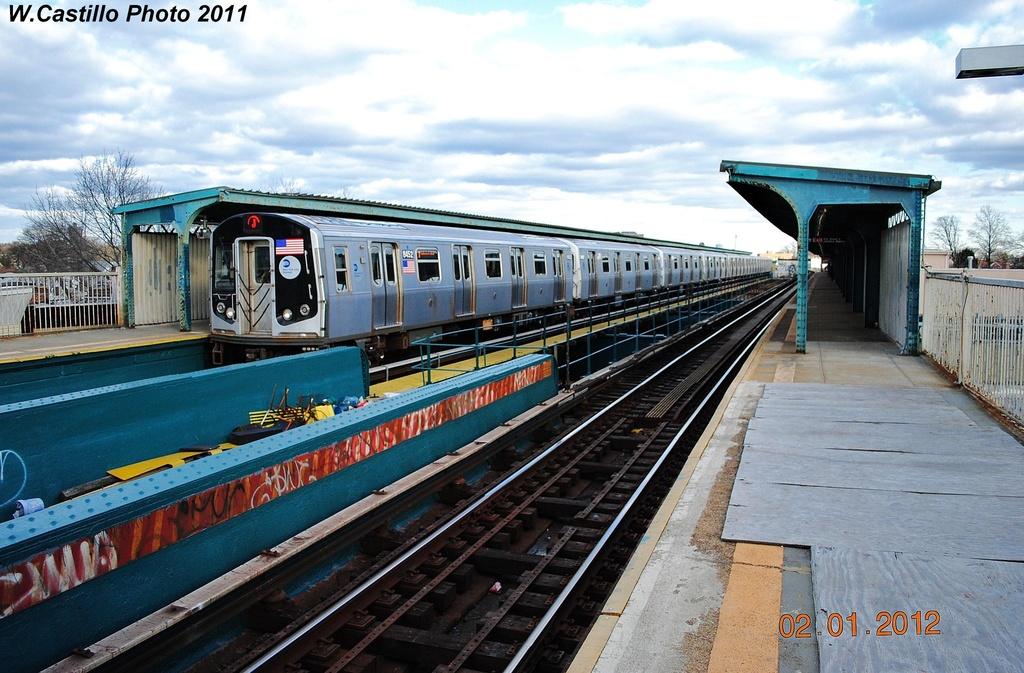 (337k, 1024x673)<br><b>Country:</b> United States<br><b>City:</b> New York<br><b>System:</b> New York City Transit<br><b>Line:</b> BMT Nassau Street/Jamaica Line<br><b>Location:</b> Cypress Hills <br><b>Route:</b> J<br><b>Car:</b> R-160A-1 (Alstom, 2005-2008, 4 car sets)  8452 <br><b>Photo by:</b> Wilfredo Castillo<br><b>Date:</b> 1/2/2012<br><b>Viewed (this week/total):</b> 0 / 348