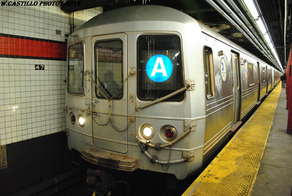 (314k, 1024x687)<br><b>Country:</b> United States<br><b>City:</b> New York<br><b>System:</b> New York City Transit<br><b>Line:</b> IND 6th Avenue Line<br><b>Location:</b> 47-50th Street/Rockefeller Center <br><b>Route:</b> A reroute<br><b>Car:</b> R-46 (Pullman-Standard, 1974-75) 5842 <br><b>Photo by:</b> Wilfredo Castillo<br><b>Date:</b> 3/12/2012<br><b>Viewed (this week/total):</b> 1 / 261