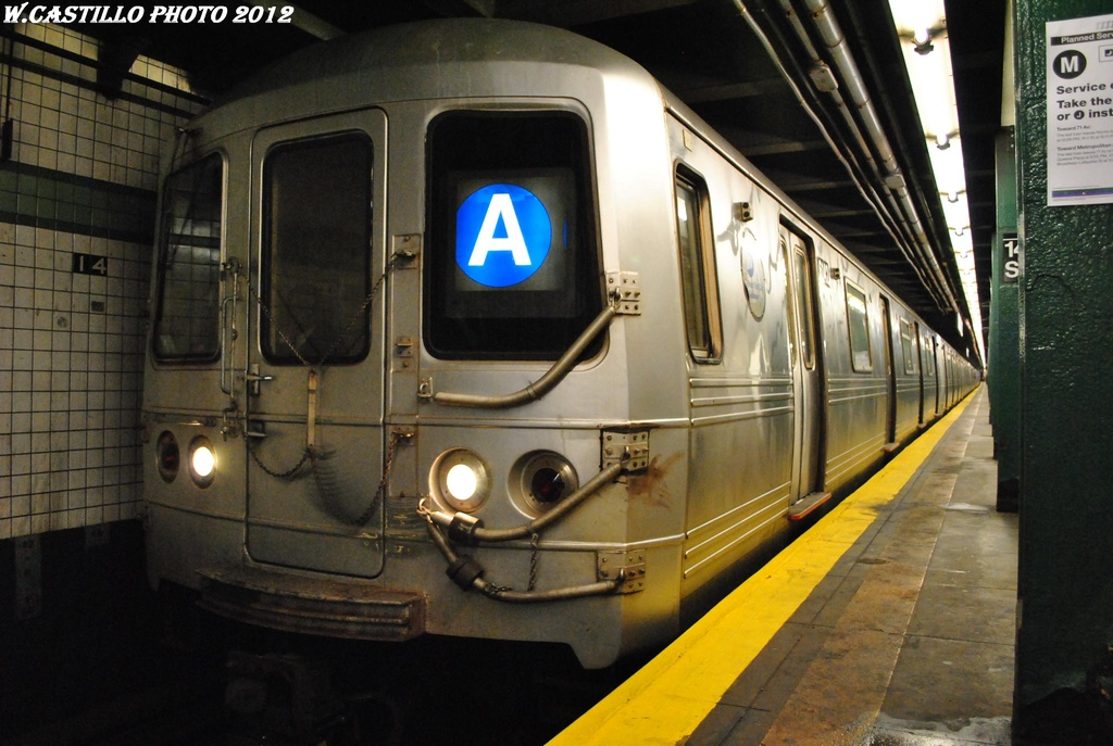 (288k, 1024x687)<br><b>Country:</b> United States<br><b>City:</b> New York<br><b>System:</b> New York City Transit<br><b>Line:</b> IND 6th Avenue Line<br><b>Location:</b> 14th Street <br><b>Route:</b> A reroute<br><b>Car:</b> R-46 (Pullman-Standard, 1974-75) 6142 <br><b>Photo by:</b> Wilfredo Castillo<br><b>Date:</b> 3/13/2012<br><b>Viewed (this week/total):</b> 0 / 798