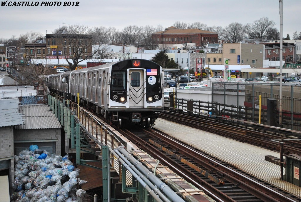 (378k, 1024x687)<br><b>Country:</b> United States<br><b>City:</b> New York<br><b>System:</b> New York City Transit<br><b>Line:</b> BMT Canarsie Line<br><b>Location:</b> Broadway Junction <br><b>Route:</b> L<br><b>Car:</b> R-160A-1 (Alstom, 2005-2008, 4 car sets)  8333 <br><b>Photo by:</b> Wilfredo Castillo<br><b>Date:</b> 3/15/2012<br><b>Viewed (this week/total):</b> 2 / 778