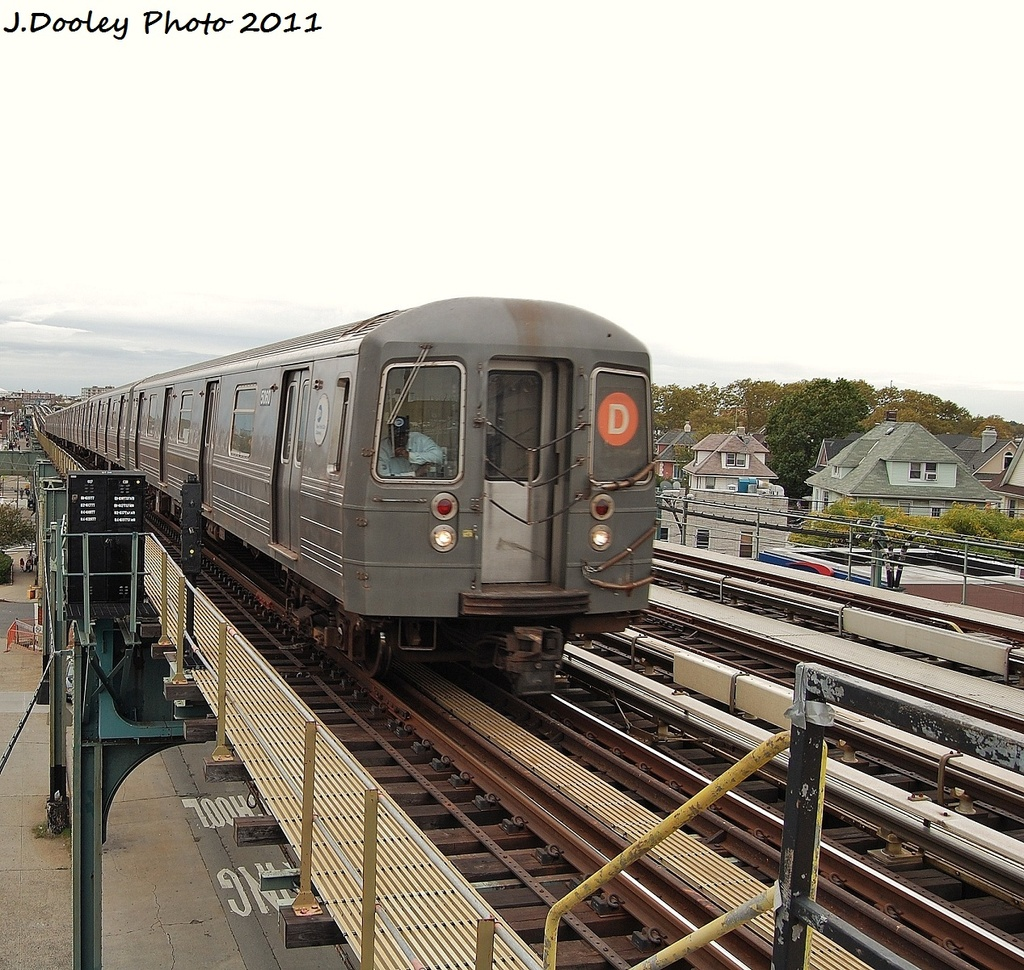 (441k, 1024x970)<br><b>Country:</b> United States<br><b>City:</b> New York<br><b>System:</b> New York City Transit<br><b>Line:</b> BMT West End Line<br><b>Location:</b> 71st Street <br><b>Route:</b> D<br><b>Car:</b> R-68A (Kawasaki, 1988-1989)  5060 <br><b>Photo by:</b> John Dooley<br><b>Date:</b> 10/12/2011<br><b>Viewed (this week/total):</b> 2 / 724