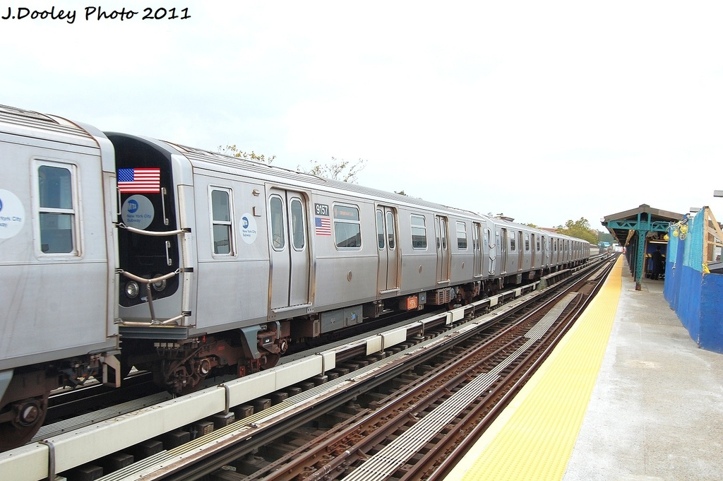 (285k, 1024x681)<br><b>Country:</b> United States<br><b>City:</b> New York<br><b>System:</b> New York City Transit<br><b>Line:</b> BMT West End Line<br><b>Location:</b> Fort Hamilton Parkway <br><b>Route:</b> N reroute<br><b>Car:</b> R-160B (Option 1) (Kawasaki, 2008-2009)  9156 <br><b>Photo by:</b> John Dooley<br><b>Date:</b> 9/22/2011<br><b>Viewed (this week/total):</b> 0 / 270