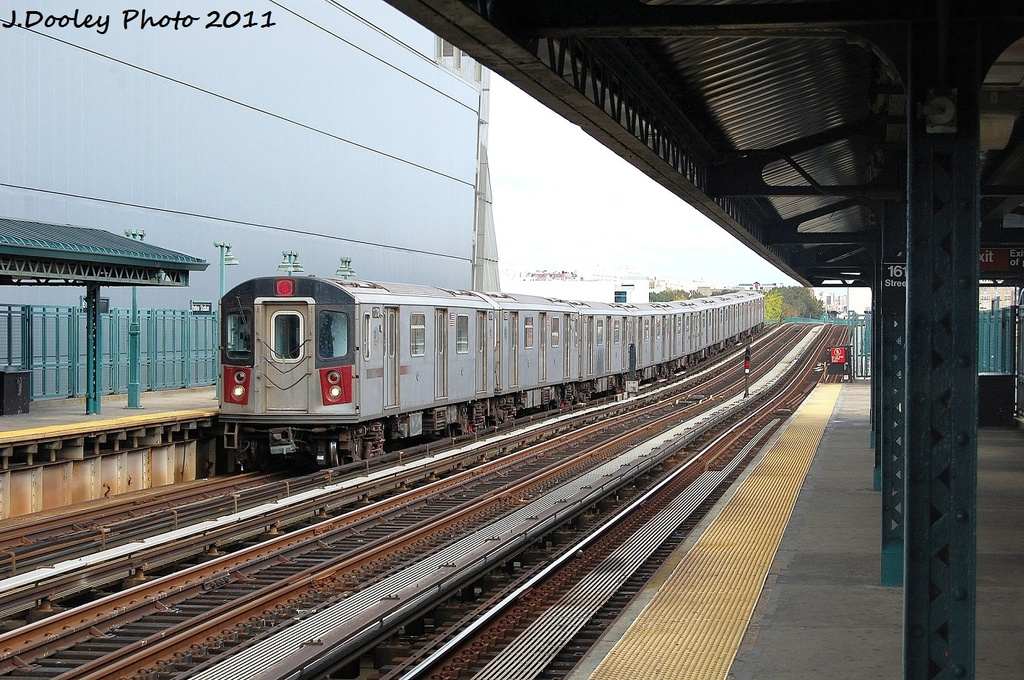(389k, 1024x680)<br><b>Country:</b> United States<br><b>City:</b> New York<br><b>System:</b> New York City Transit<br><b>Line:</b> IRT Woodlawn Line<br><b>Location:</b> 161st Street/River Avenue (Yankee Stadium) <br><b>Route:</b> 4<br><b>Car:</b> R-142 (Option Order, Bombardier, 2002-2003)  1170 <br><b>Photo by:</b> John Dooley<br><b>Date:</b> 10/23/2011<br><b>Viewed (this week/total):</b> 0 / 334