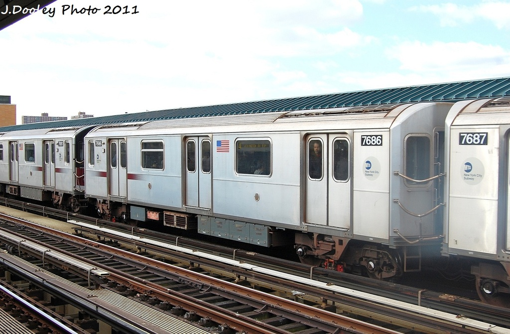 (317k, 1024x670)<br><b>Country:</b> United States<br><b>City:</b> New York<br><b>System:</b> New York City Transit<br><b>Line:</b> IRT Woodlawn Line<br><b>Location:</b> 161st Street/River Avenue (Yankee Stadium) <br><b>Route:</b> 4<br><b>Car:</b> R-142A (Option Order, Kawasaki, 2002-2003)  7686 <br><b>Photo by:</b> John Dooley<br><b>Date:</b> 10/23/2011<br><b>Viewed (this week/total):</b> 1 / 693