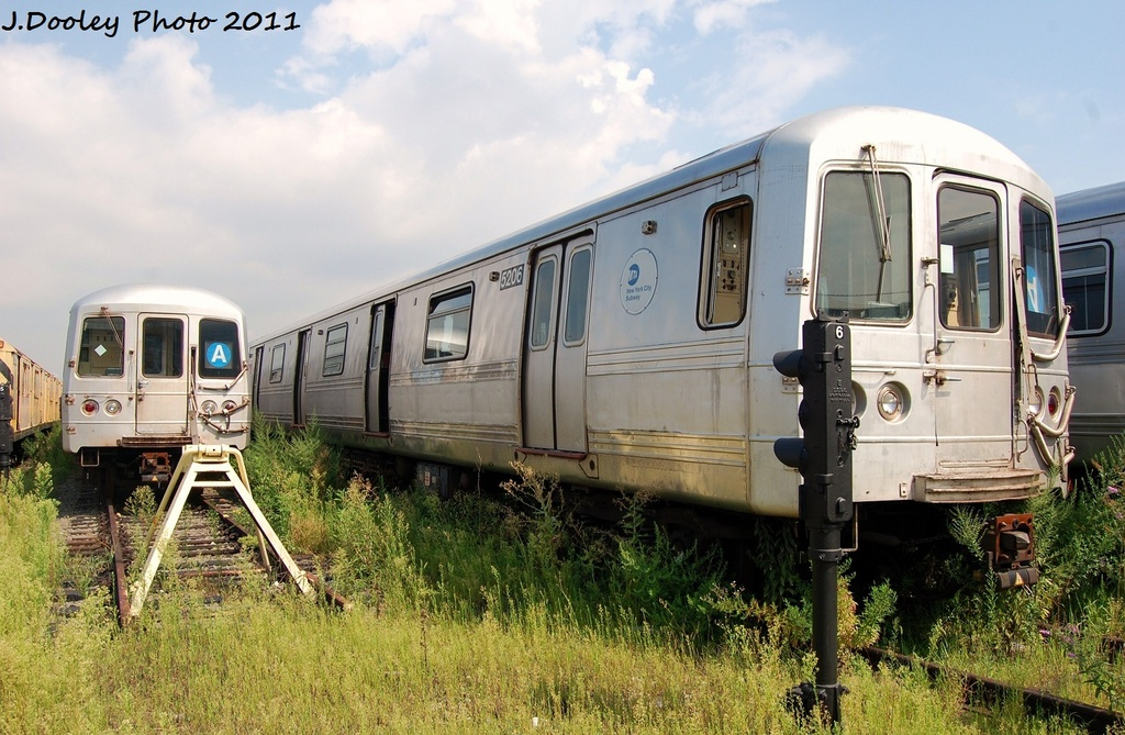 (347k, 1024x669)<br><b>Country:</b> United States<br><b>City:</b> New York<br><b>System:</b> New York City Transit<br><b>Location:</b> Coney Island Yard<br><b>Car:</b> R-44 (St. Louis, 1971-73) 5206 <br><b>Photo by:</b> John Dooley<br><b>Date:</b> 8/26/2011<br><b>Viewed (this week/total):</b> 0 / 442