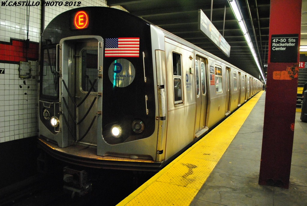 (294k, 1024x687)<br><b>Country:</b> United States<br><b>City:</b> New York<br><b>System:</b> New York City Transit<br><b>Line:</b> IND 6th Avenue Line<br><b>Location:</b> 47-50th Street/Rockefeller Center <br><b>Route:</b> E reroute<br><b>Car:</b> R-160A (Option 1) (Alstom, 2008-2009, 5 car sets)  9332 <br><b>Photo by:</b> Wilfredo Castillo<br><b>Date:</b> 3/12/2012<br><b>Viewed (this week/total):</b> 6 / 876