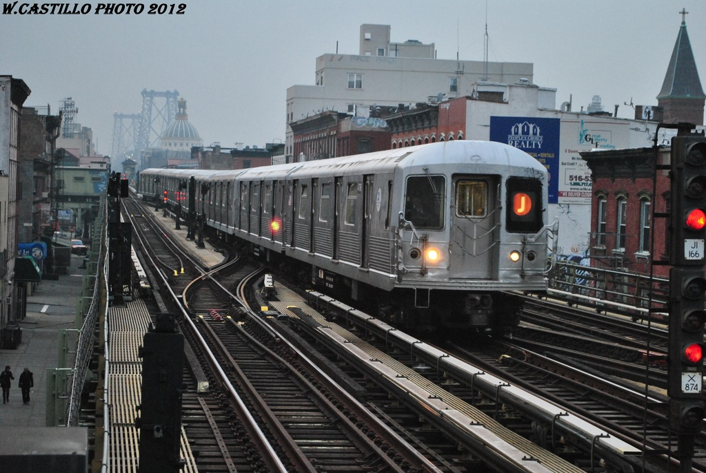 (309k, 1024x687)<br><b>Country:</b> United States<br><b>City:</b> New York<br><b>System:</b> New York City Transit<br><b>Line:</b> BMT Nassau Street/Jamaica Line<br><b>Location:</b> Hewes Street <br><b>Route:</b> J<br><b>Car:</b> R-42 (St. Louis, 1969-1970)  4798 <br><b>Photo by:</b> Wilfredo Castillo<br><b>Date:</b> 3/16/2012<br><b>Viewed (this week/total):</b> 7 / 771