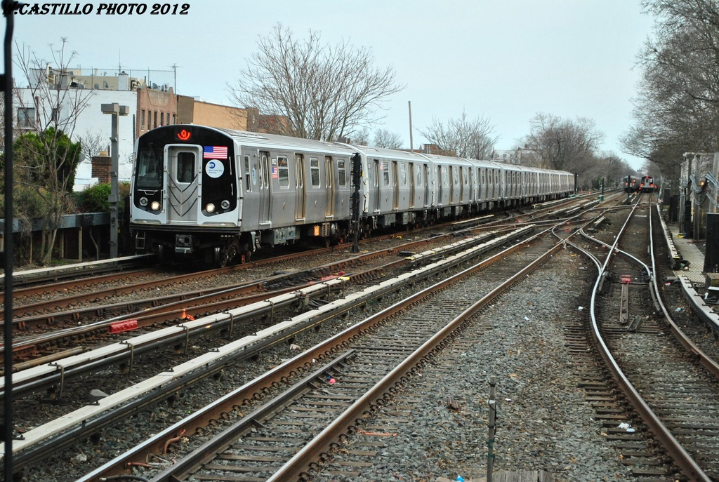 (402k, 1024x687)<br><b>Country:</b> United States<br><b>City:</b> New York<br><b>System:</b> New York City Transit<br><b>Line:</b> BMT Brighton Line<br><b>Location:</b> Kings Highway <br><b>Route:</b> Q<br><b>Car:</b> R-160B (Kawasaki, 2005-2008)  8922 <br><b>Photo by:</b> Wilfredo Castillo<br><b>Date:</b> 3/23/2012<br><b>Viewed (this week/total):</b> 0 / 193