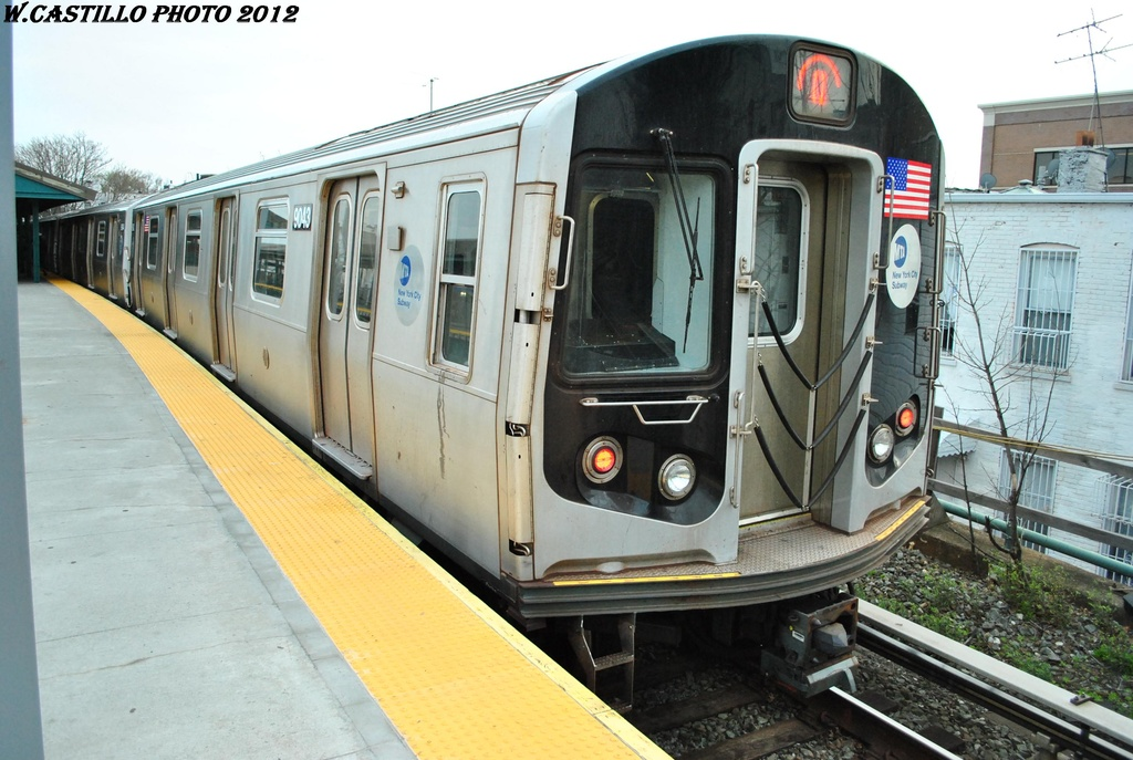 (303k, 1024x687)<br><b>Country:</b> United States<br><b>City:</b> New York<br><b>System:</b> New York City Transit<br><b>Line:</b> BMT Brighton Line<br><b>Location:</b> Kings Highway <br><b>Route:</b> Q<br><b>Car:</b> R-160B (Option 1) (Kawasaki, 2008-2009)  9043 <br><b>Photo by:</b> Wilfredo Castillo<br><b>Date:</b> 3/23/2012<br><b>Viewed (this week/total):</b> 3 / 486