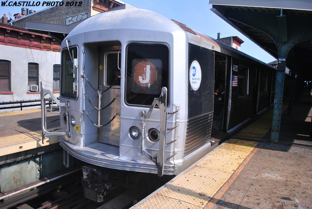 (318k, 1024x687)<br><b>Country:</b> United States<br><b>City:</b> New York<br><b>System:</b> New York City Transit<br><b>Line:</b> BMT Nassau Street/Jamaica Line<br><b>Location:</b> Myrtle Avenue <br><b>Route:</b> J<br><b>Car:</b> R-42 (St. Louis, 1969-1970)  4832 <br><b>Photo by:</b> Wilfredo Castillo<br><b>Date:</b> 3/23/2012<br><b>Viewed (this week/total):</b> 1 / 295