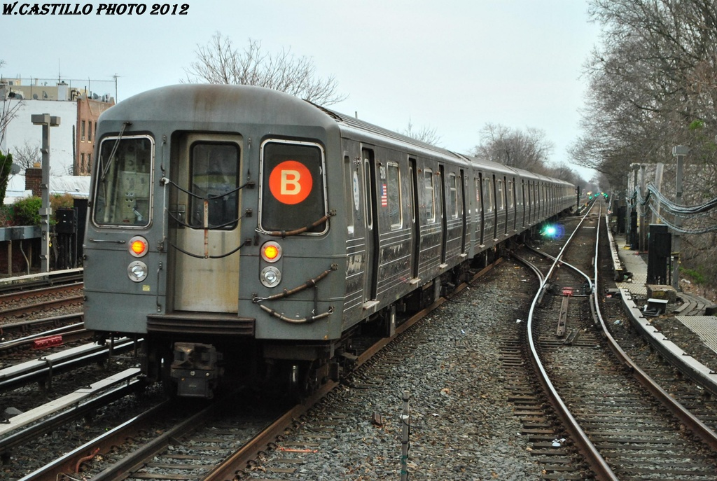 (350k, 1024x687)<br><b>Country:</b> United States<br><b>City:</b> New York<br><b>System:</b> New York City Transit<br><b>Line:</b> BMT Brighton Line<br><b>Location:</b> Kings Highway <br><b>Route:</b> B<br><b>Car:</b> R-68A (Kawasaki, 1988-1989)  5018 <br><b>Photo by:</b> Wilfredo Castillo<br><b>Date:</b> 3/23/2012<br><b>Viewed (this week/total):</b> 0 / 271