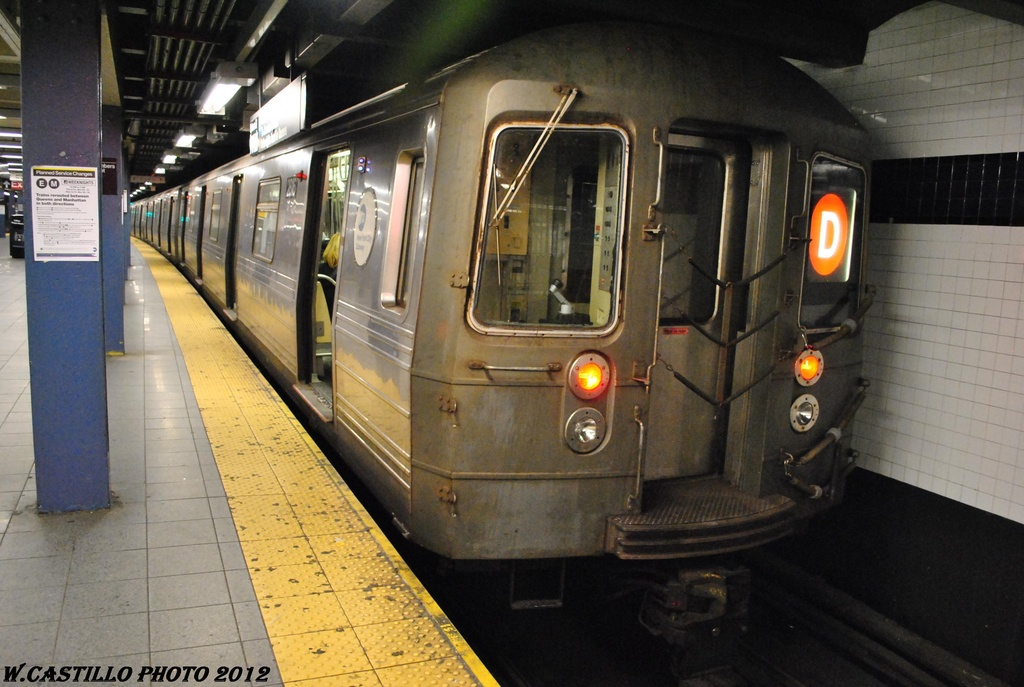 (291k, 1024x687)<br><b>Country:</b> United States<br><b>City:</b> New York<br><b>System:</b> New York City Transit<br><b>Line:</b> IND 8th Avenue Line<br><b>Location:</b> Chambers Street/World Trade Center <br><b>Route:</b> D reroute<br><b>Car:</b> R-160A-1 (Alstom, 2005-2008, 4 car sets)  2816 <br><b>Photo by:</b> Wilfredo Castillo<br><b>Date:</b> 3/22/2012<br><b>Viewed (this week/total):</b> 1 / 455
