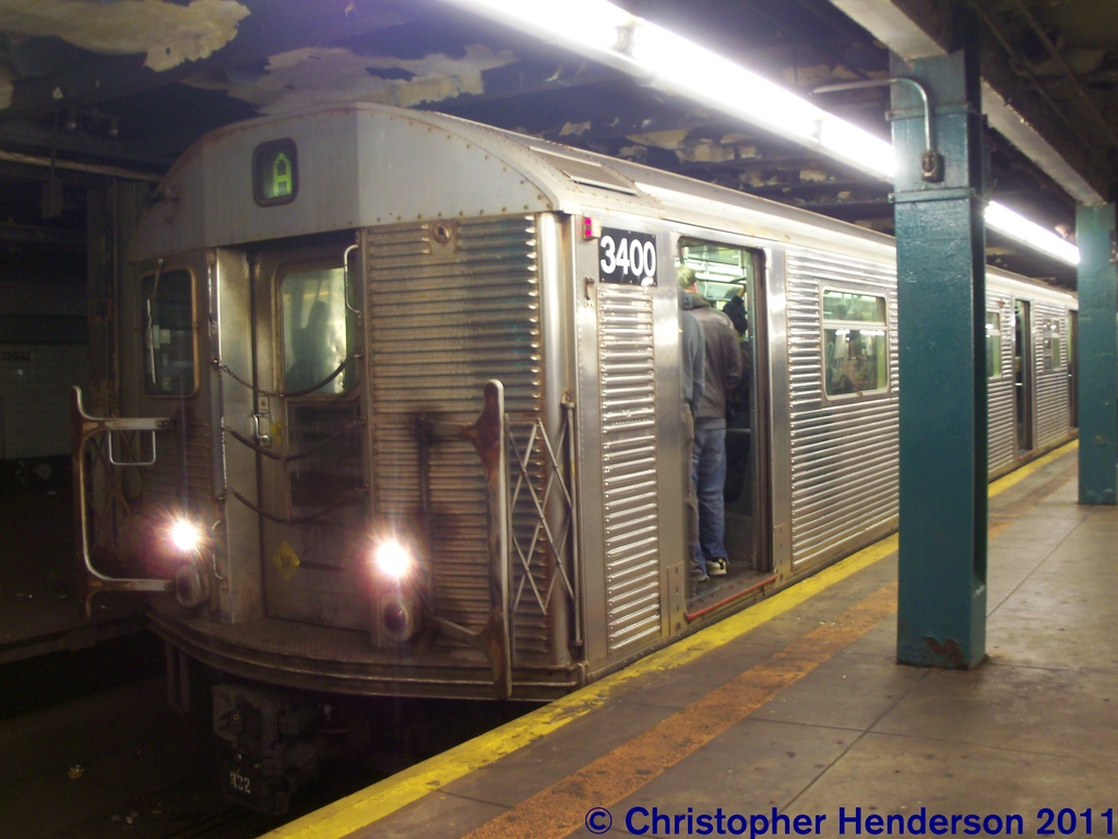 (238k, 1024x768)<br><b>Country:</b> United States<br><b>City:</b> New York<br><b>System:</b> New York City Transit<br><b>Line:</b> IND Fulton Street Line<br><b>Location:</b> Hoyt-Schermerhorn Street <br><b>Route:</b> A<br><b>Car:</b> R-32 (Budd, 1964)  3400 <br><b>Photo by:</b> Christopher Henderson<br><b>Date:</b> 11/19/2011<br><b>Viewed (this week/total):</b> 2 / 250