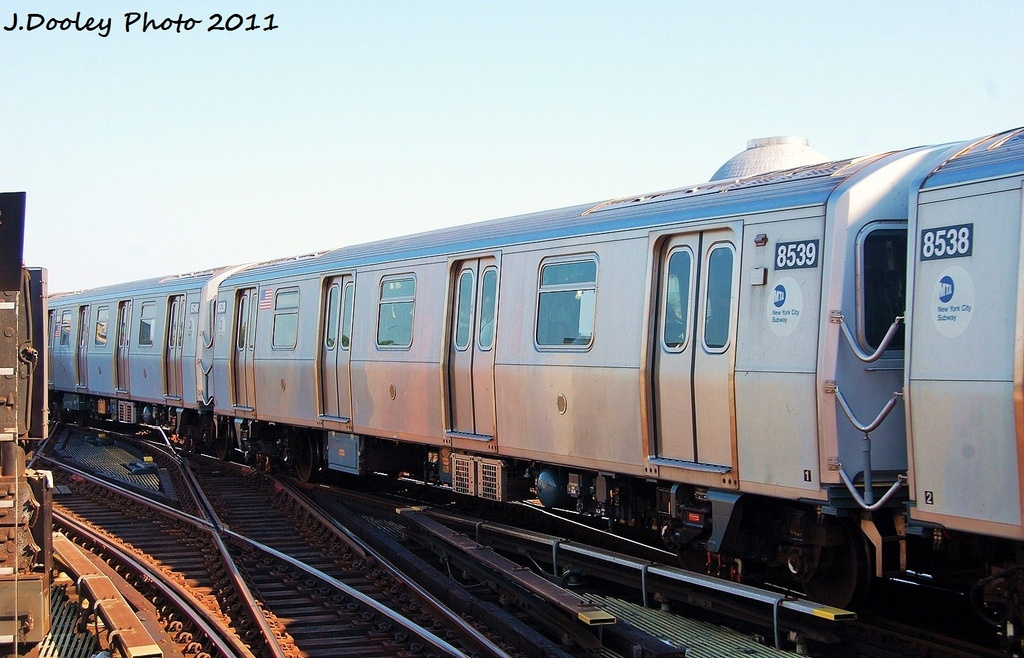 (305k, 1024x658)<br><b>Country:</b> United States<br><b>City:</b> New York<br><b>System:</b> New York City Transit<br><b>Line:</b> BMT Nassau Street/Jamaica Line<br><b>Location:</b> Myrtle Avenue <br><b>Route:</b> M<br><b>Car:</b> R-160A-1 (Alstom, 2005-2008, 4 car sets)  8539 <br><b>Photo by:</b> John Dooley<br><b>Date:</b> 8/17/2011<br><b>Viewed (this week/total):</b> 0 / 196