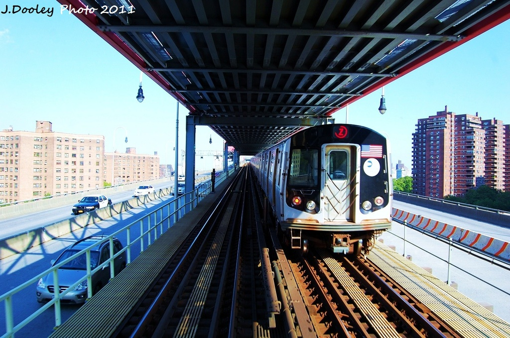 (377k, 1024x679)<br><b>Country:</b> United States<br><b>City:</b> New York<br><b>System:</b> New York City Transit<br><b>Line:</b> BMT Nassau Street/Jamaica Line<br><b>Location:</b> Williamsburg Bridge<br><b>Route:</b> Z<br><b>Car:</b> R-160A-1 (Alstom, 2005-2008, 4 car sets)  8593 <br><b>Photo by:</b> John Dooley<br><b>Date:</b> 8/17/2011<br><b>Viewed (this week/total):</b> 4 / 777