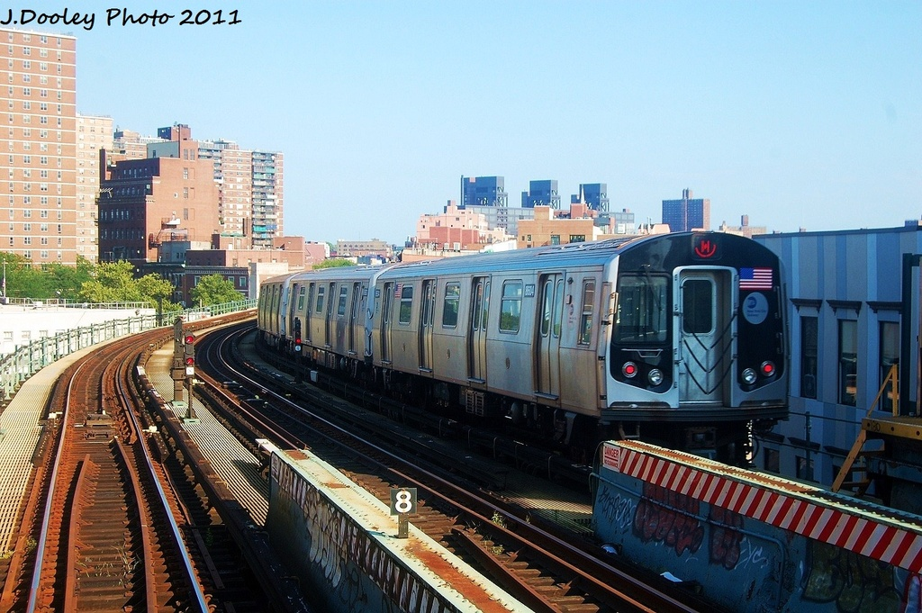 (360k, 1024x681)<br><b>Country:</b> United States<br><b>City:</b> New York<br><b>System:</b> New York City Transit<br><b>Line:</b> BMT Nassau Street/Jamaica Line<br><b>Location:</b> Hewes Street <br><b>Route:</b> M<br><b>Car:</b> R-160A-1 (Alstom, 2005-2008, 4 car sets)  8604 <br><b>Photo by:</b> John Dooley<br><b>Date:</b> 8/17/2011<br><b>Viewed (this week/total):</b> 0 / 520