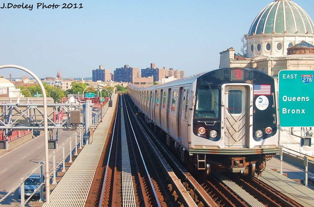 (383k, 1024x676)<br><b>Country:</b> United States<br><b>City:</b> New York<br><b>System:</b> New York City Transit<br><b>Line:</b> BMT Nassau Street/Jamaica Line<br><b>Location:</b> Williamsburg Bridge<br><b>Route:</b> J<br><b>Car:</b> R-160A-1 (Alstom, 2005-2008, 4 car sets)   <br><b>Photo by:</b> John Dooley<br><b>Date:</b> 8/17/2011<br><b>Viewed (this week/total):</b> 2 / 364