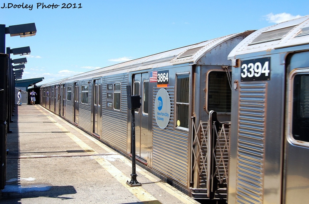 (365k, 1024x676)<br><b>Country:</b> United States<br><b>City:</b> New York<br><b>System:</b> New York City Transit<br><b>Line:</b> IND Fulton Street Line<br><b>Location:</b> 88th Street/Boyd Avenue <br><b>Route:</b> A<br><b>Car:</b> R-32 (Budd, 1964)  3864 <br><b>Photo by:</b> John Dooley<br><b>Date:</b> 8/11/2011<br><b>Viewed (this week/total):</b> 1 / 140